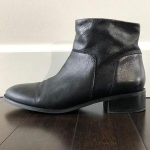 Franco Sarto black Benny leather ankle boot. EUC!